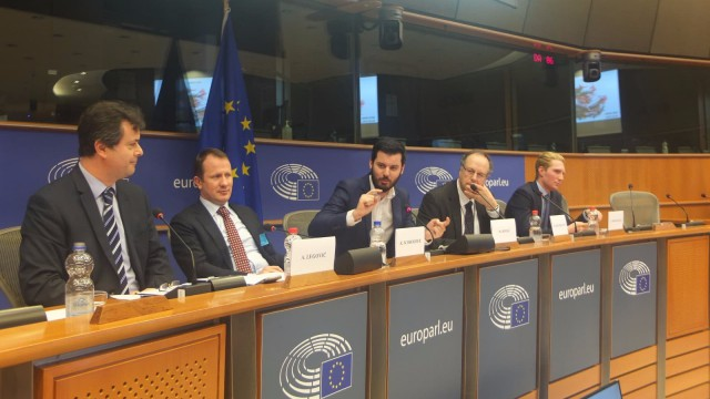 A hearing and a round table discussion on the relevant EU regulation and policies related to e-mobility and batteries